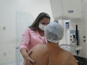 FCecon realiza cirurgias de mama para diminuir tempo de espera de pacientes