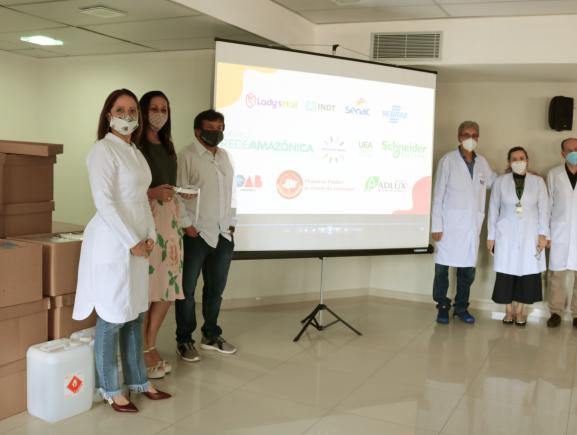FCecon recebe doação de 3 mil protetores faciais e 183 litros de álcool
