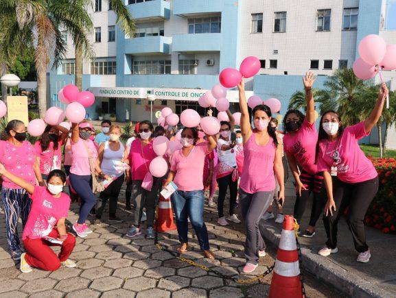 Pacientes da FCecon realizam caminhada em alusão ao Outubro Rosa